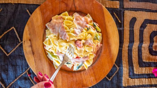 Farfalle with Tuna Carpaccio and Vegetables